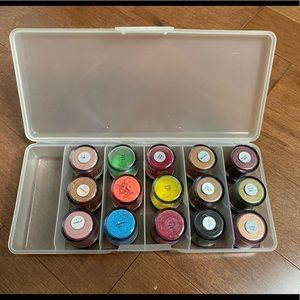 MAC lot 15 pigments plus case & UD primer potion